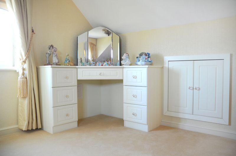 Corner Bathroom Vanity Convenient And