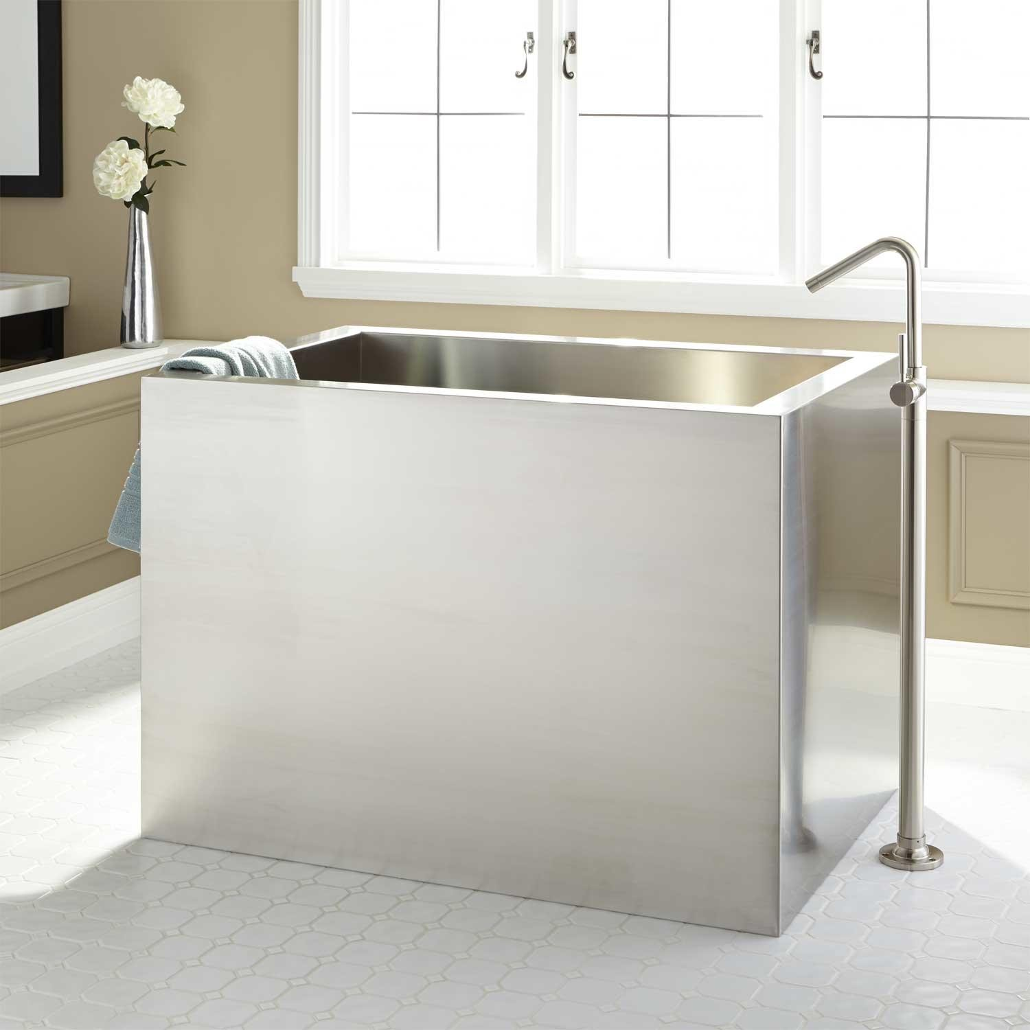 Deep Rectangular Soaking Tubs | Tyres2c