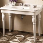 pedestal sink with legs