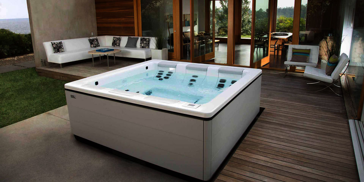 Best spa tubs the best design ideas for hot tubs for Best bathtubs 2016