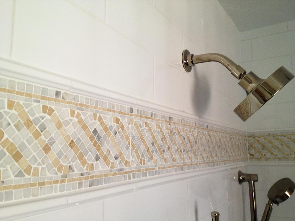 Pretty Bathrooms With Bathroom Border Tiles - DecorIdeasBathroom ...