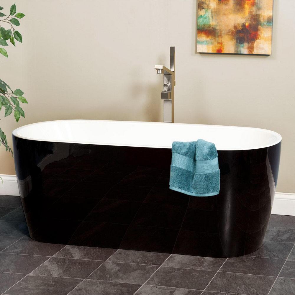 Bathroom Freestanding Tub - Relaxing Bathing in Oversized Bathtub ...