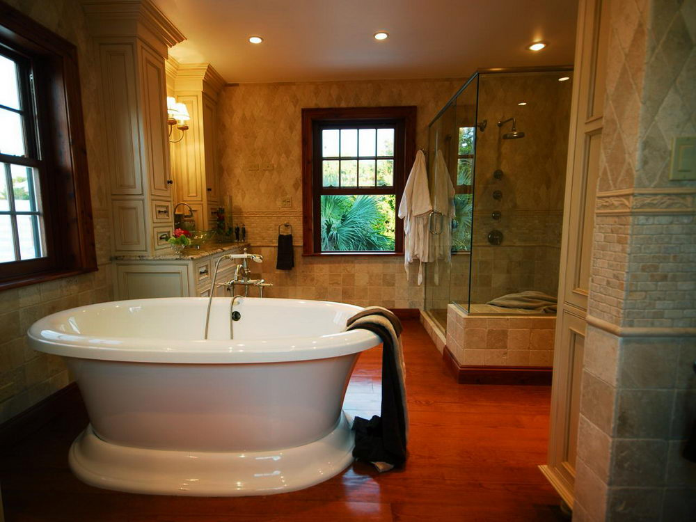 Luxury Bathtub Ideas - Top Ideas for Installing Short Bathtubs in ...