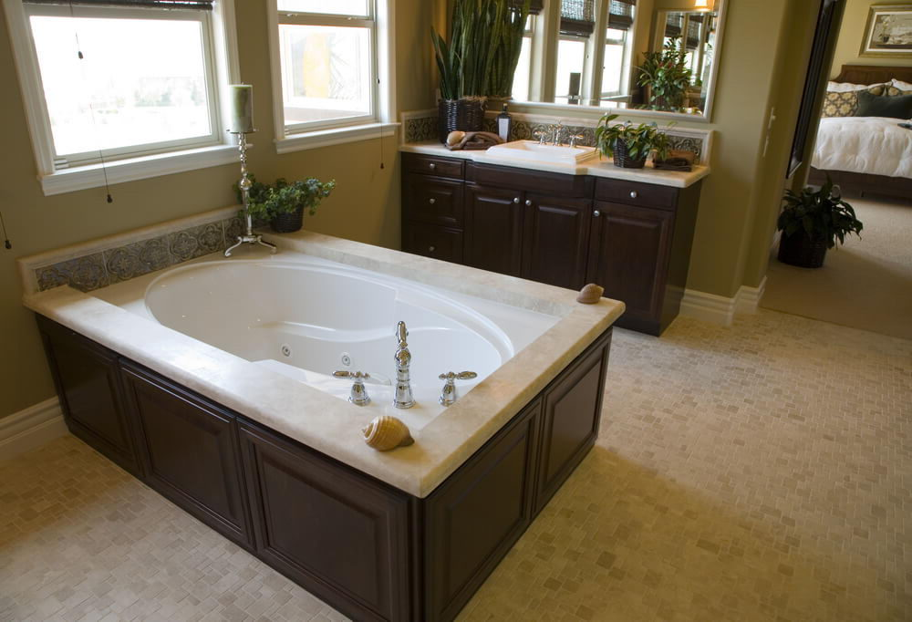 Luxury Oval Soaking Tub - Different Types Of Top Modern Bathtubs ...