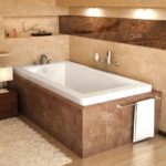 Soaker Tub with Center Drain