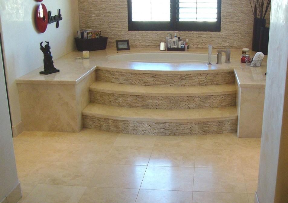 Superbe Relaxing Bathing In Oversized Bathtub U2014 Stone Bathtub Steps