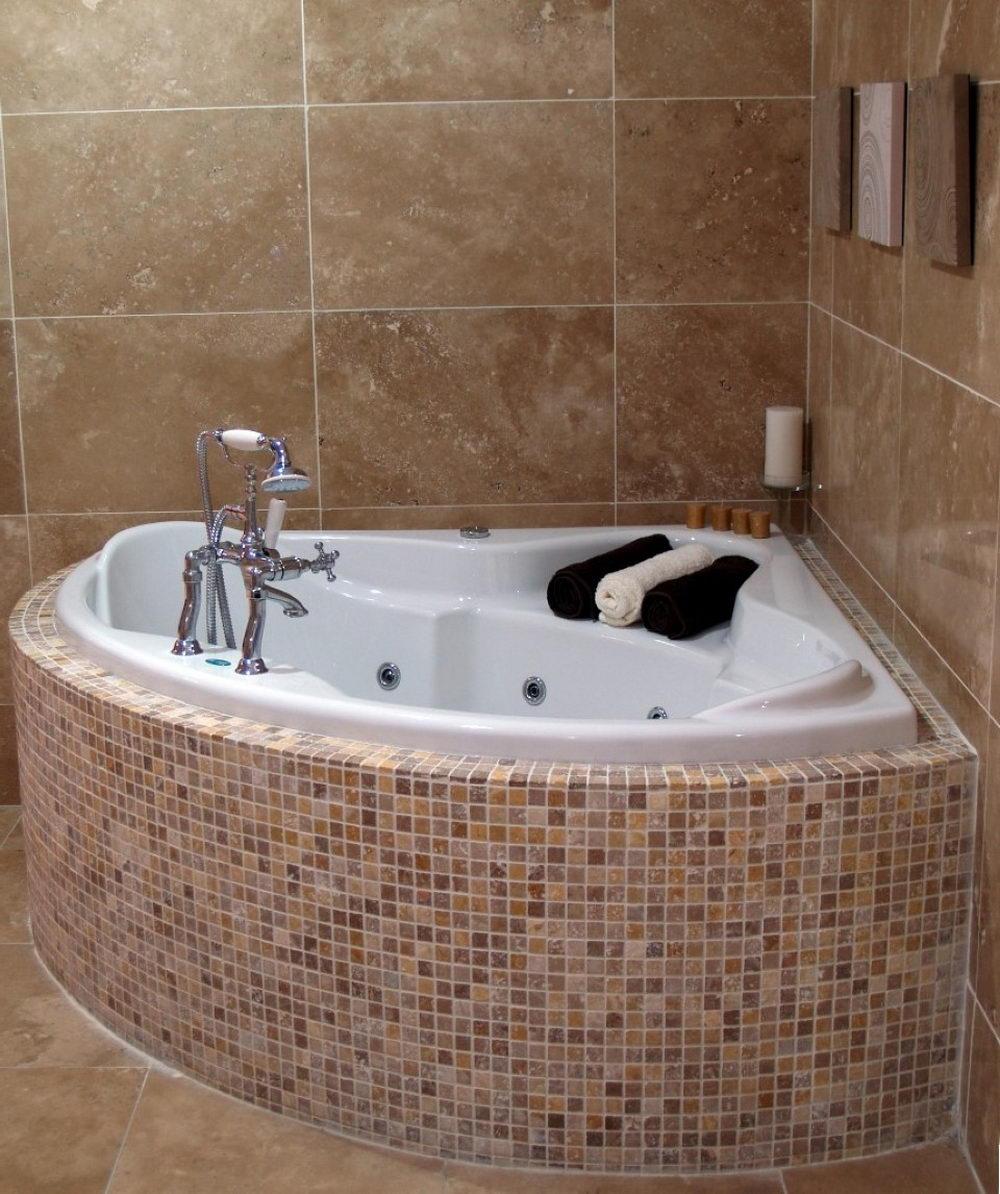 Ultra Small Corner Bathtub Design - Different Types Of Top Modern ...